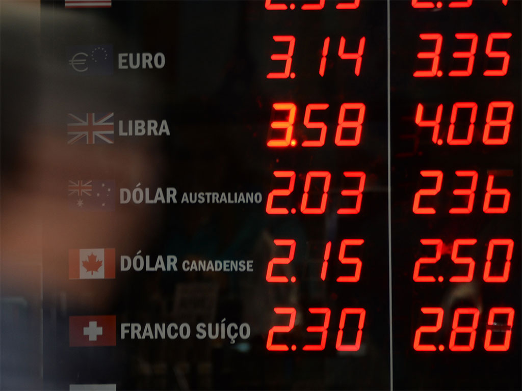 Forex traders are reaping the rewards of investing in the retail currency market